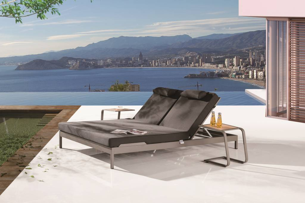 Barite Modern Outdoor Double Chaise Lounge Icon Outdoor Contract