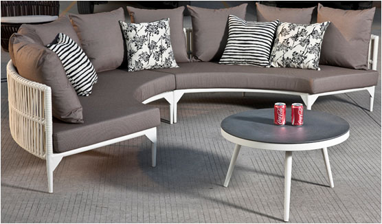Kitaibela Modern Outdoor Round Sofa Set For 4 With Coffee