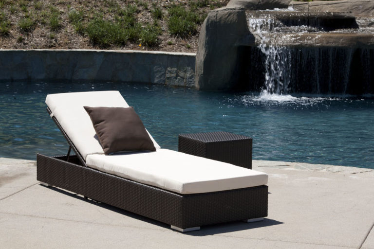 Chaise lounges icon outdoor contract for Chaise lounge bar