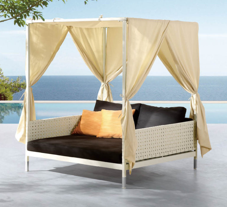 Chaise Lounges And Daybeds Beach Beds Icon Outdoor Contract
