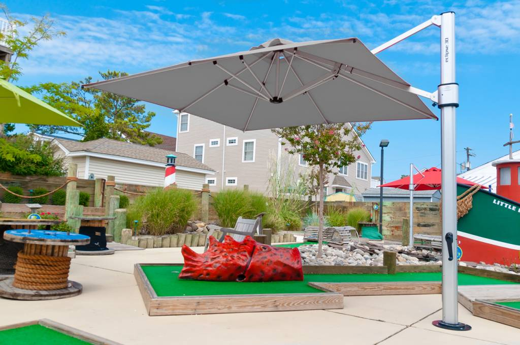 Eclipse Cantilever Commercial Umbrella